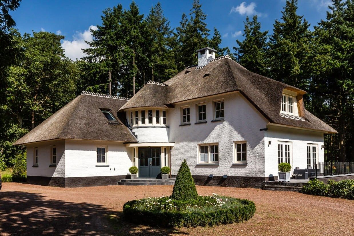 1. Rietgedekte villa bouwen, landhuis in prachtige omgeving
