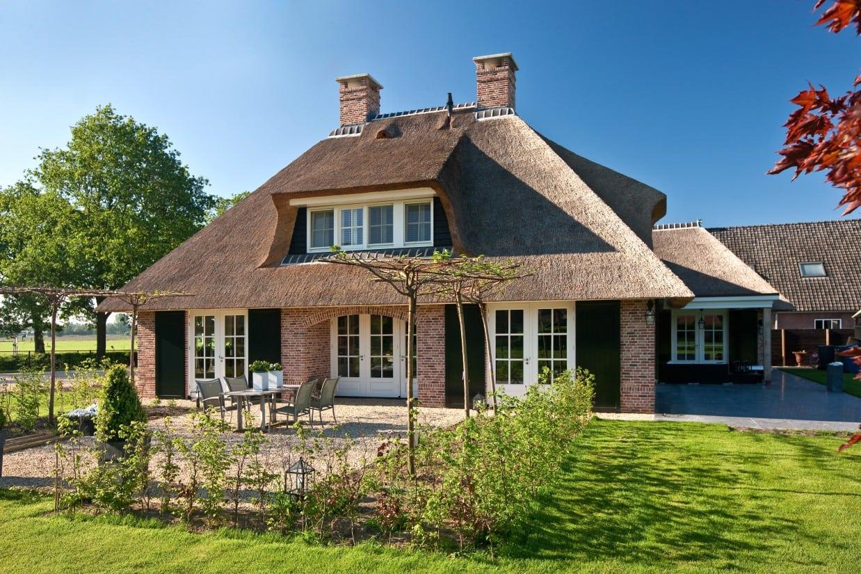 1. Rietgedekte villa bouwen, rietgedekt landhuis te Scherpenzeel