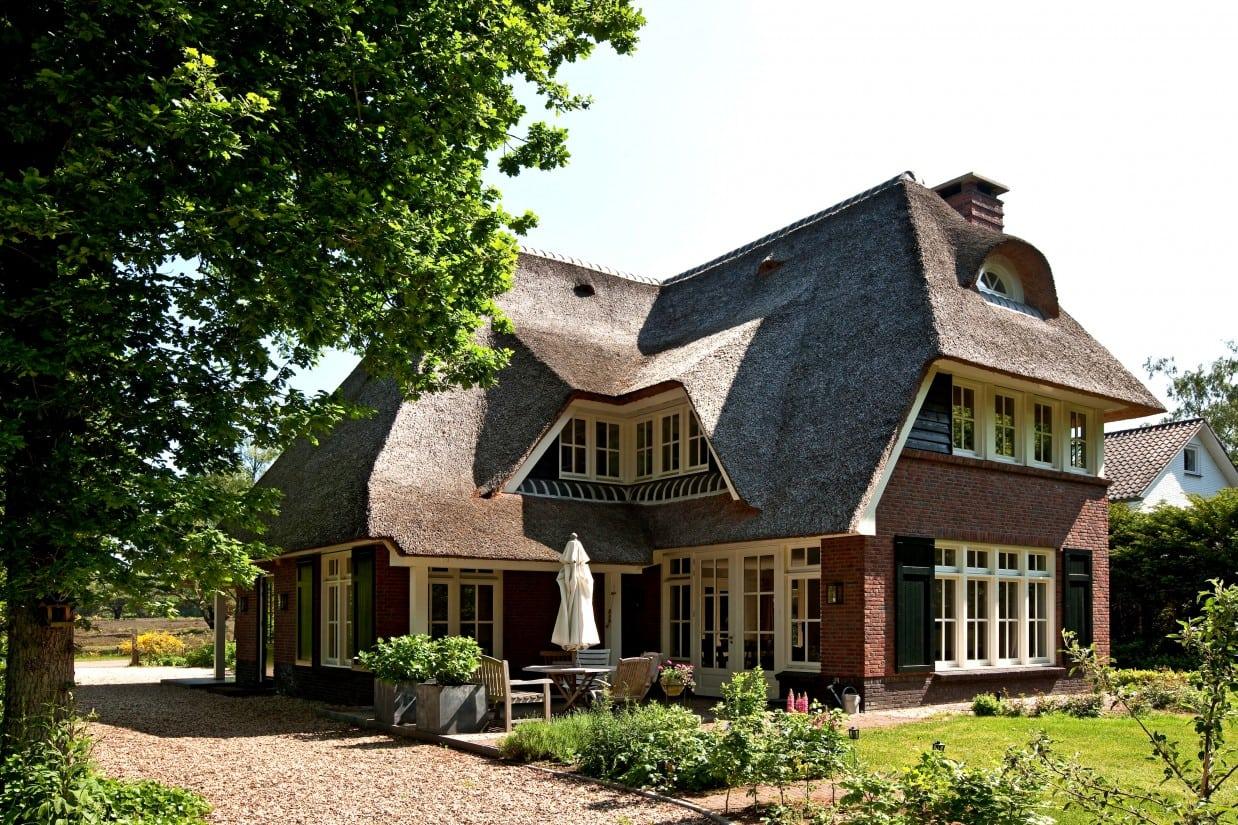 1. Rietgedekte villa bouwen, rietgedekte villa te Huizen
