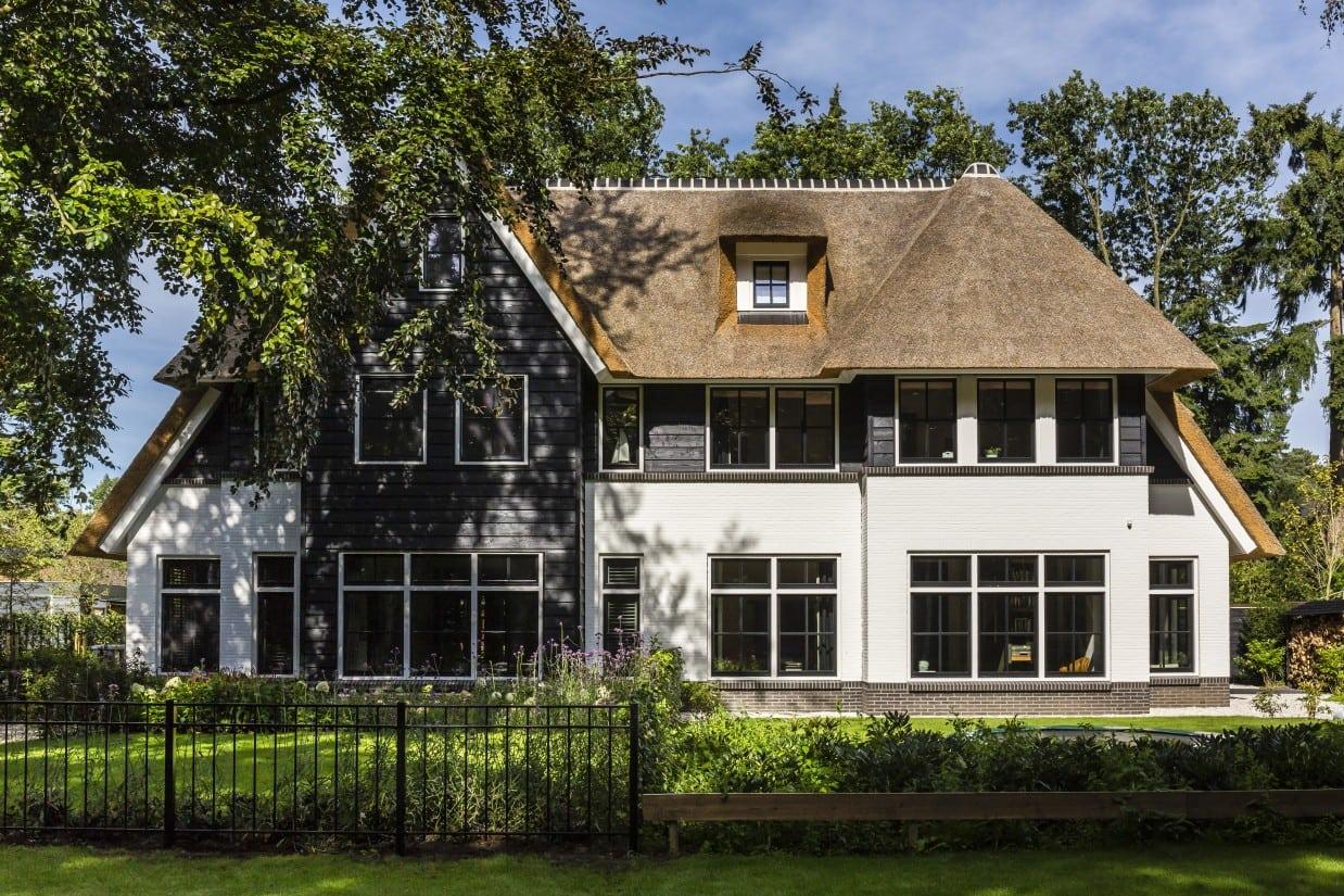1. Rietgedekte villa bouwen, villa Zeist voorzijde