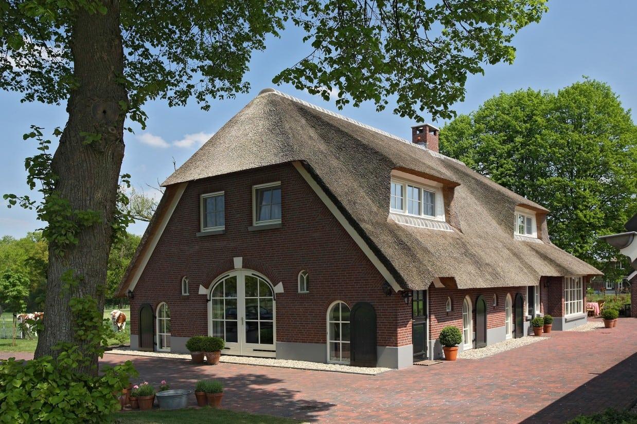 1. Rietgedekte villa bouwen, woonboederij te Rijssen