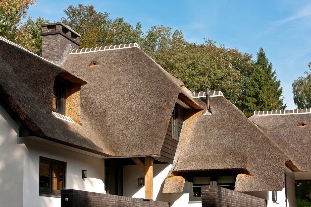 11. Rietgedekte villa bouwen, luxe villa met veel prachtige details