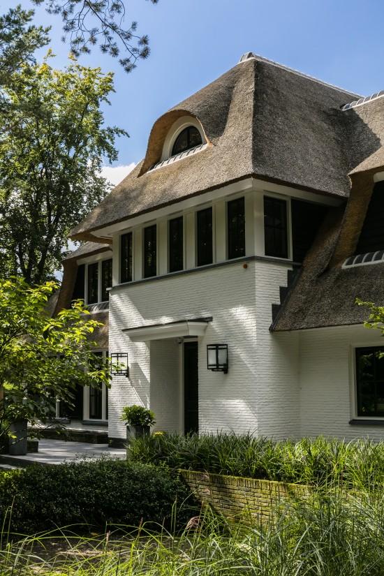 18. Rietgedekte villa bouwen, landhuis Veluwe entree detail