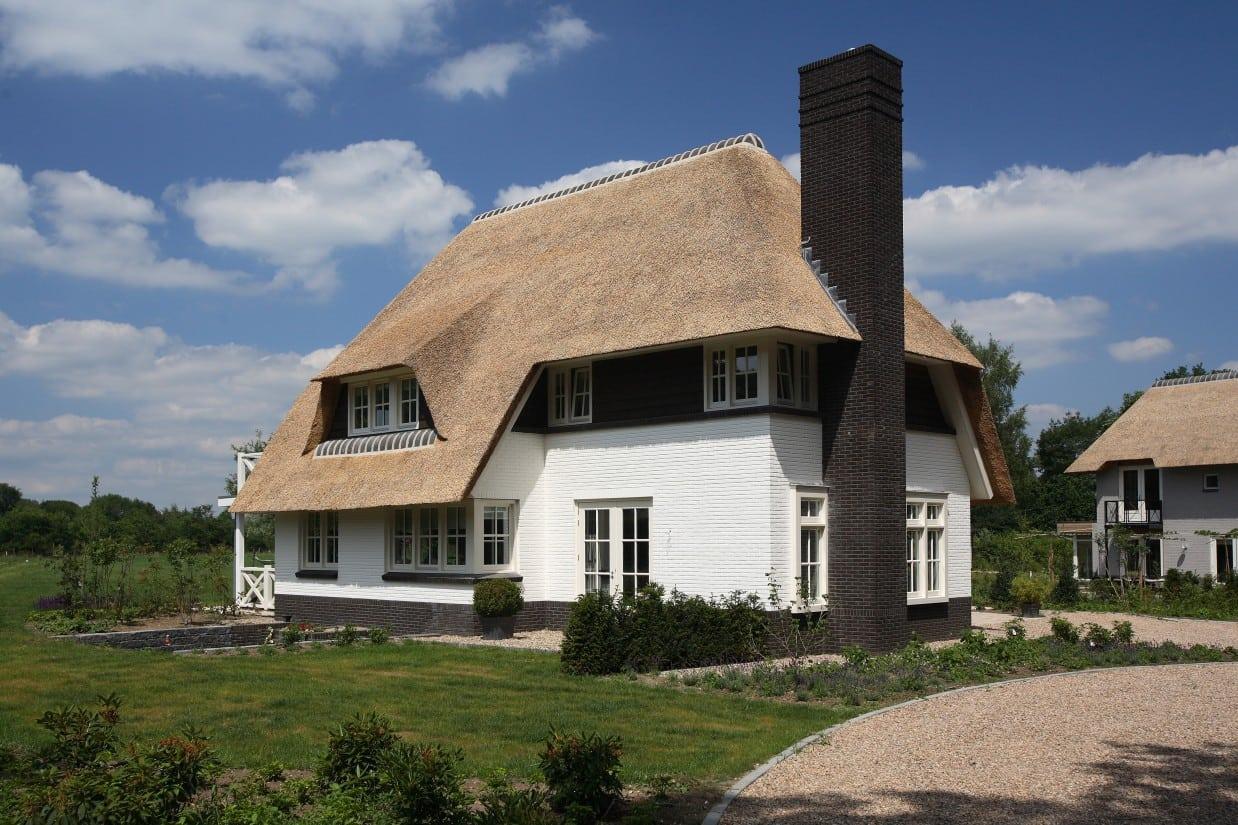 2. Rietgedekte villa bouwen, rietgedekte villa