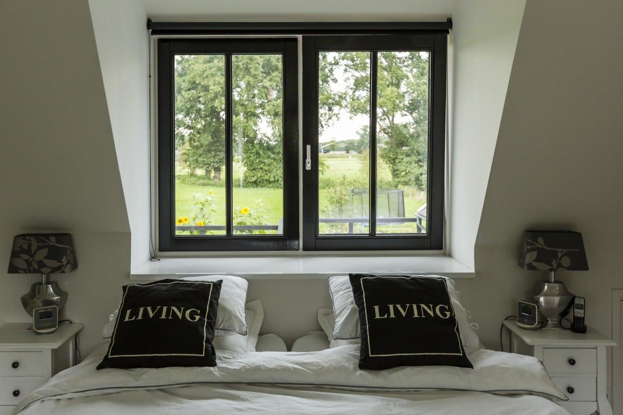 24. Rietgedekte villa bouwen, landhuis romantische slaapkamer