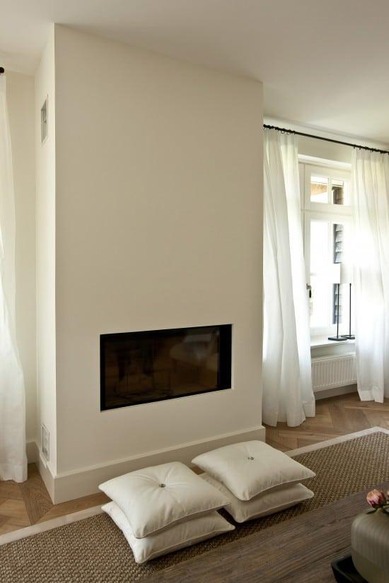 3. Rietgedekte villa bouwen, moderne, strak afgewerkte binnenhaard