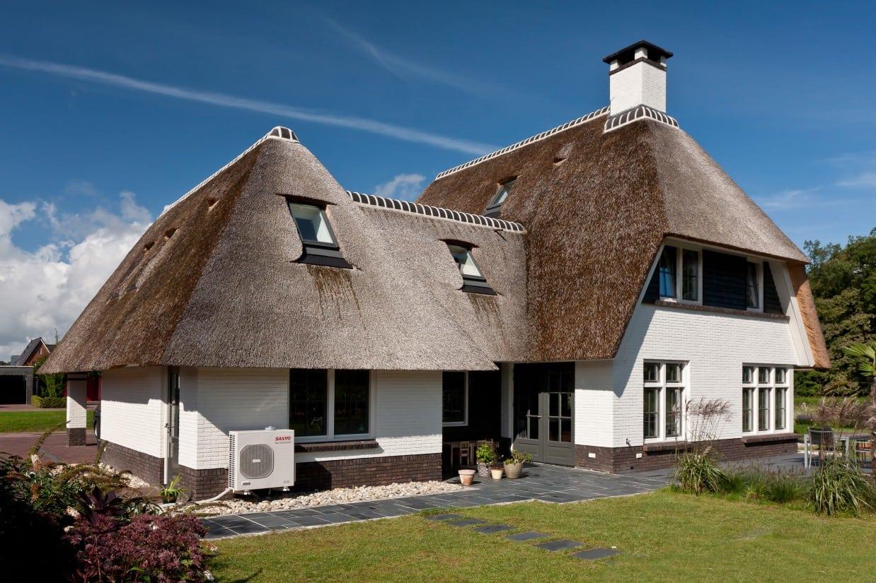3. Rietgedekte villa bouwen, prachtige villa met tuin ontwerp