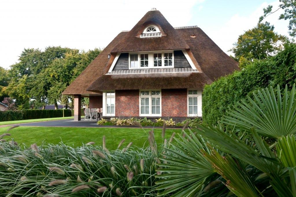 4. Rietgedekte villa bouwen, rietgedekt dakkapel te Leersum