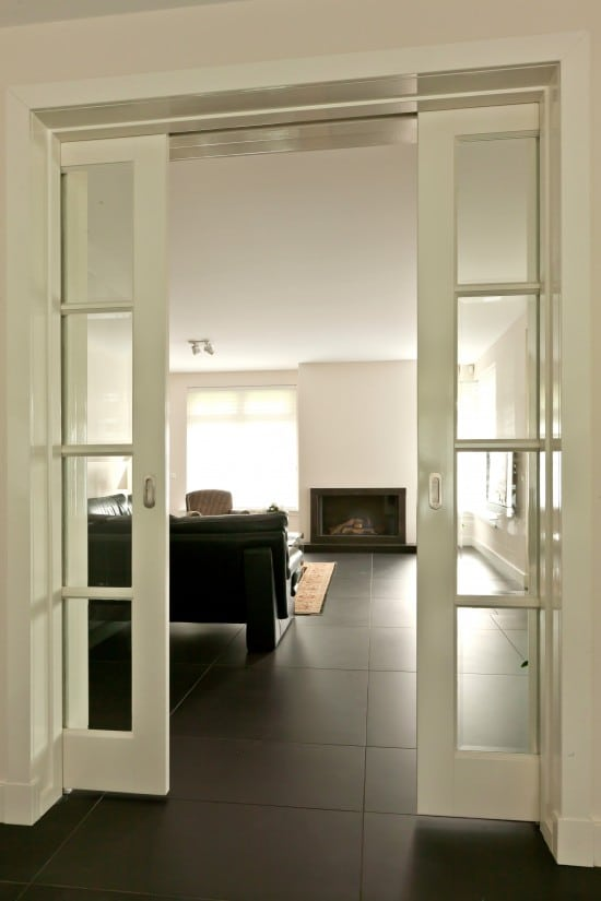 7. Rietgedekte villa bouwen, openslaande binnendeuren
