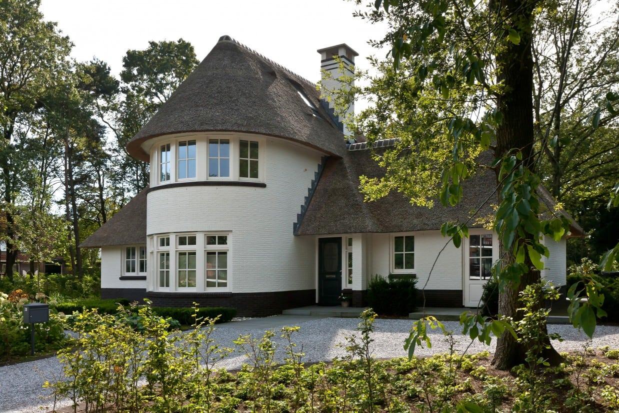7. Rietgedekte villa bouwen, villabouw, entree ingang
