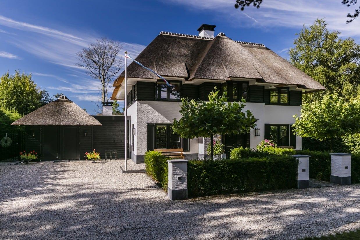 Rietgedekte villa bouwen Warmond
