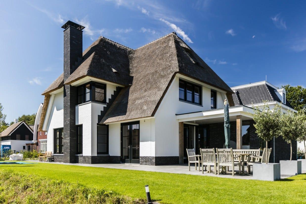 Rietgedekte villa bouwen Aerdenhout 2