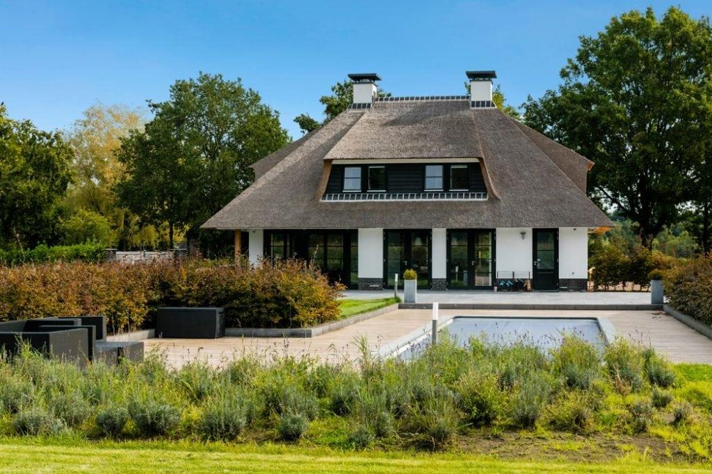 Landhuis te Ulvenhout met prachtige tuin